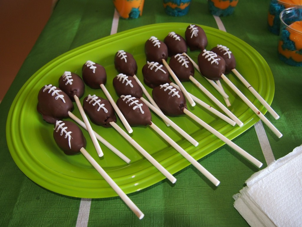 Can't forget about the Football Cake Pops! MMmmm!